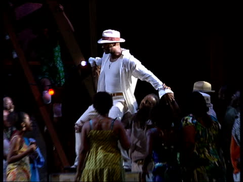 carmen jones extracts from performance at the royal festival hall; more of actors performing on stage / rodney clarke sings 'stand up and fight' - ロイヤルフェスティバルホール点の映像素材/bロール