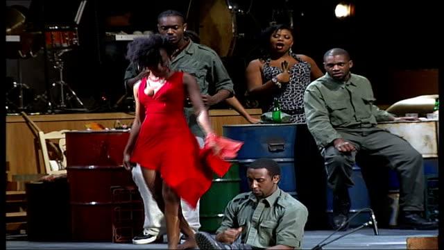 carmen jones opens at the royal festival hall; tsakane valentine on stage during rehearsal for the musical 'carmen jones' - ロイヤルフェスティバルホール点の映像素材/bロール