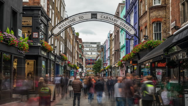 vídeos de stock e filmes b-roll de time lapse: carnaby street in london - reino unido