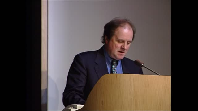 carnegie book awards; part 1 of 2 england: london: british library: int gvs of children and adults sat in auditorium listening to speaker talking... - james naughtie stock-videos und b-roll-filmmaterial