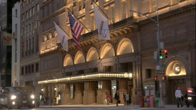 carnegie hall exterior cnnaarc378 - facade stock videos & royalty-free footage