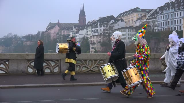 carnival of basel (basler fasnacht), basel, canton of basel city, switzerland, europe - kostümierung stock-videos und b-roll-filmmaterial