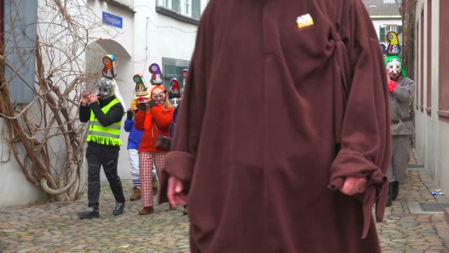 carnival of basel (basler fasnacht), basel, canton of basel city, switzerland, europe - verkleidung kleidung stock-videos und b-roll-filmmaterial