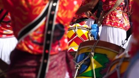 stockvideo's en b-roll-footage met carnaval optocht - optocht