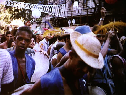 stockvideo's en b-roll-footage met 1963 carnivale in rio - 1963