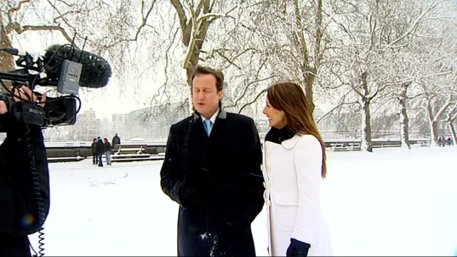vídeos y material grabado en eventos de stock de carol vorderman photocall with david cameron in the snow david cameron next vorderman interview sot meant to be at school talking about mathematics /... - carol vorderman
