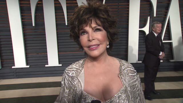interview carole bayer sager at the 2015 vanity fair oscar party hosted by graydon carter at wallis annenberg center for the performing arts on... - wallis annenberg center for the performing arts stock videos and b-roll footage