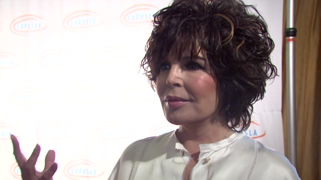 carole bayer sager on being honored her new art project at the 9th annual lupus la orange ball at beverly hills ca - lupus la orange ball video stock e b–roll