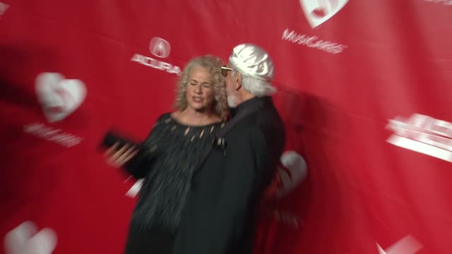 carole king and lou adler at 2014 musicares person of the year honoring carole king at los angeles convention center on in los angeles california - musicares foundation stock videos & royalty-free footage
