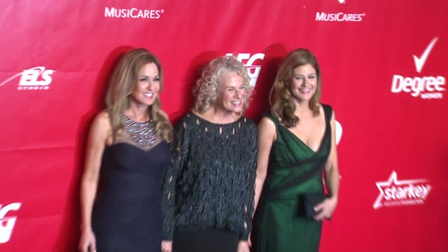 carole king louise goffin and sherry goffin kondor at 2014 musicares person of the year honoring carole king at los angeles convention center on in... - musicares foundation stock videos & royalty-free footage