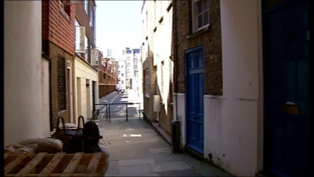 carole waugh murder trial begins england london marylebone ext general views of flat belonging to missing businesswoman carole waugh - メリルボーン点の映像素材/bロール