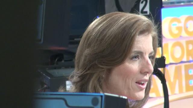 vídeos y material grabado en eventos de stock de caroline kennedy at the 'good morning america' studio in new york ny on 09/25/12 - caroline kennedy