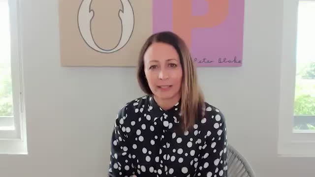 vidéos et rushes de caroline rush, ceo of british fashion council, shares how fashion plays a bigger impact in world affairs than some may realize. - directrice