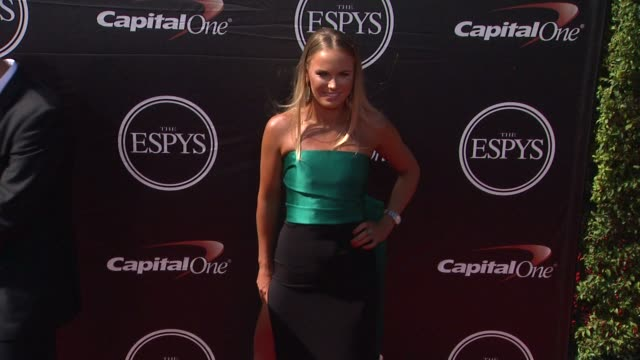 vídeos de stock, filmes e b-roll de caroline wozniacki at the 2015 espys at microsoft theater on july 15 2015 in los angeles california - espy awards
