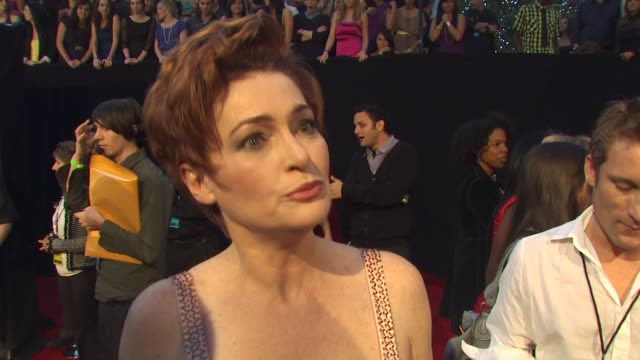 carolyn hennesy on being nominated for cougar town and on what's coming up next on the show at the 36th annual people's choice awards at los angeles... - people's choice awards stock videos & royalty-free footage