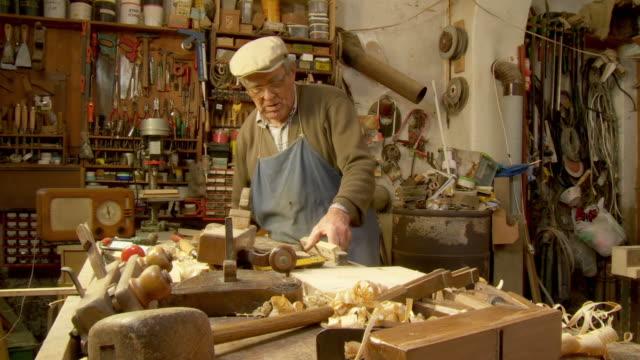 HD DOLLY: Carpenter At Work