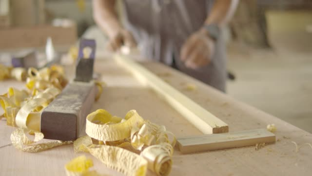 木工房で働いている間の大工。 - 美術工芸品点の映像素材/bロール