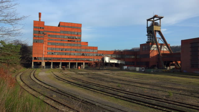 carreau wendel museum coal pit musuem, petite-rosselle, lorraine, france - imperfection stock videos & royalty-free footage