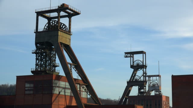 carreau wendel museum coal pit musuem, petite-rosselle, lorraine, france - coal mine stock videos & royalty-free footage