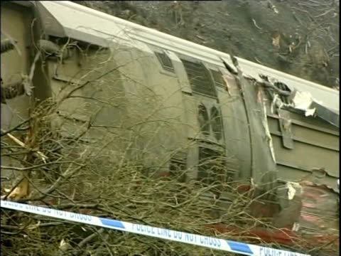 carriages of derailed train following a rail crash in cumbria 2007 - 脱線点の映像素材/bロール