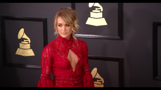 stockvideo's en b-roll-footage met carrie underwood at 59th annual grammy awards arrivals at staples center on february 12 2017 in los angeles california 4k - grammy awards