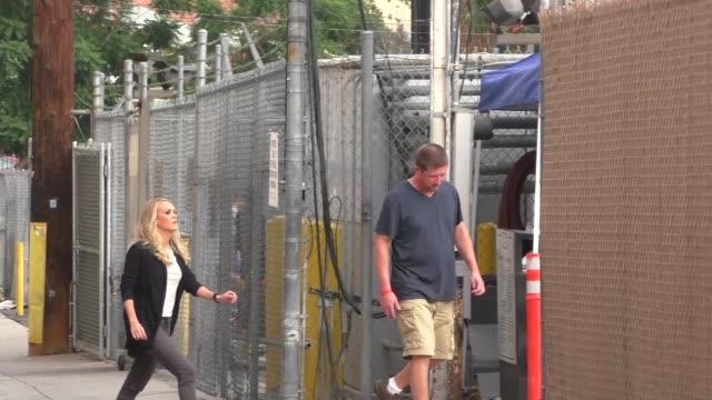stockvideo's en b-roll-footage met carrie underwood at jimmy kimmel live in hollywood at celebrity sightings in los angeles on october 27, 2015 in los angeles, california. - jimmy kimmel