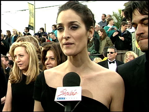 carrieanne moss at the 2001 screen actors guild sag awards arrivals at the shrine auditorium in los angeles california on march 11 2001 - screen actors guild awards stock videos & royalty-free footage