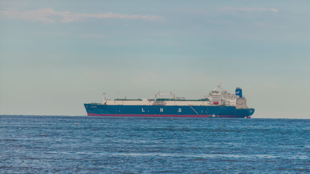 lng carrier / geoje-si, gyeongsangnam-do, south korea - gas stock videos & royalty-free footage