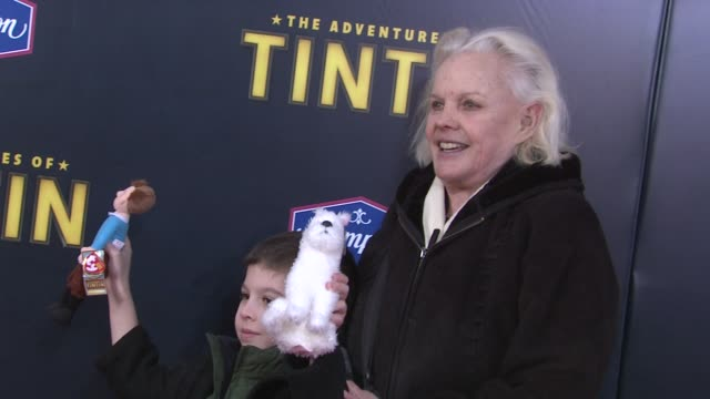 carroll baker and guest at us premiere of 'the adventures of tintin the secret of the unicorn' arrivals new york ny united states - carroll baker stock videos & royalty-free footage
