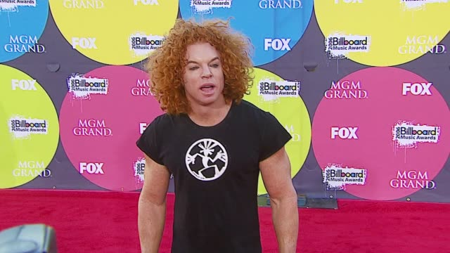 carrot top at the 2006 billboard music awards at the mgm grand hotel in las vegas nevada on december 4 2006 - mgm grand las vegas stock videos & royalty-free footage