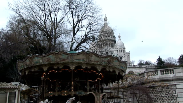 carrousel at montmartre - basilique du sacre coeur montmartre stock videos & royalty-free footage