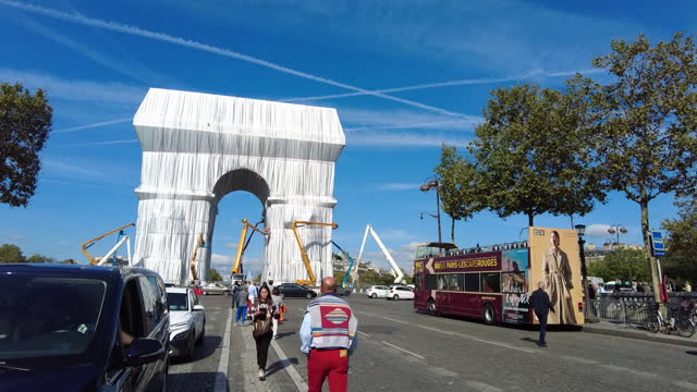 FRA: Arc De Triomphe Wrapped In Fabric For Christo And Jeanne-Claude Art Installation