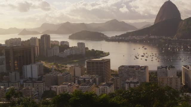 cars in steady traffic onavenida das nacoes unida- rio de janeiro, brazil. - avenida stock videos & royalty-free footage