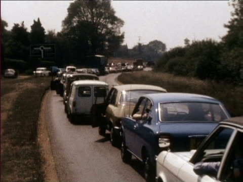 cars in traffic jam during heatwave 1976 - 1976 stock-videos und b-roll-filmmaterial