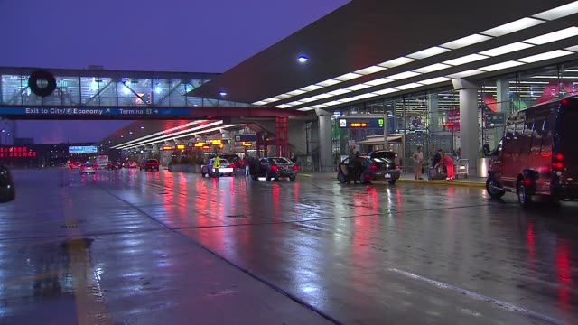 cars outside o'hare airport at chicago o'hare airport on december 20 2013 in chicago illinois - o'hare airport stock videos & royalty-free footage