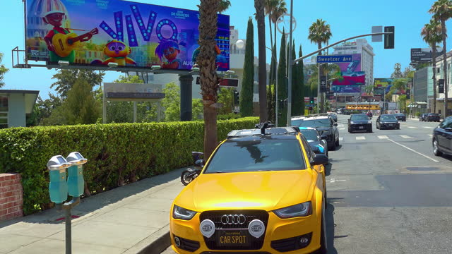 cars traffic on sunset strip on sunset boulevard at rush hour in beverly hills in los angeles, california, 4k - emmy awards stock videos & royalty-free footage