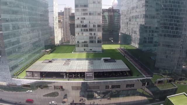 vídeos y material grabado en eventos de stock de carso corporative zone - plaza