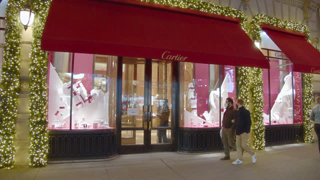 cartier. store. fifth luxury fashion avenue. manhattan. new york - cartier stock videos & royalty-free footage