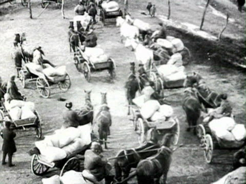 carts leaving kulak audio/ russia - anno 1928 video stock e b–roll