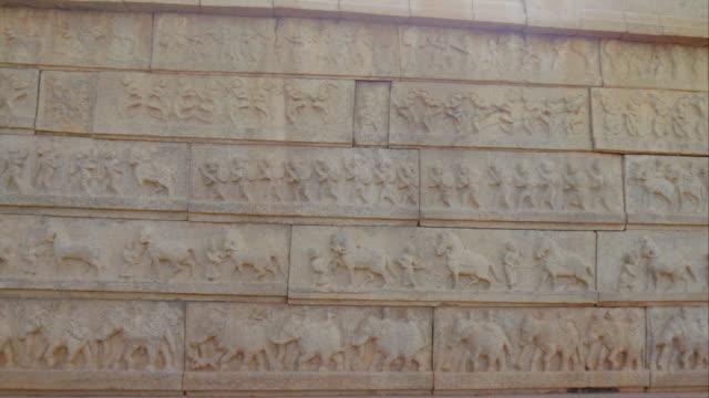 carvings at hazara rama temple, hampi unesco world heritage site - レリーフ点の映像素材/bロール