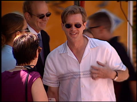 cary elwes at the dedication of nicolas cage's footprints at grauman's chinese theatre in hollywood, california on august 14, 2001. - マン・シアターズ点の映像素材/bロール