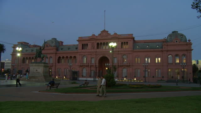 casa rosada in buenos aires, argentina - casa rosada stock videos & royalty-free footage