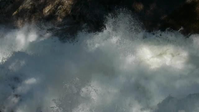 cascading water detail on merced river, looking downstream in yosemite national park, california - merced fluss stock-videos und b-roll-filmmaterial