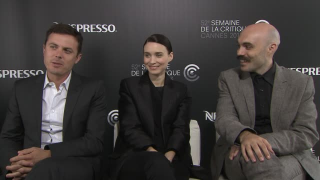 casey affleck, david lowery, rooney mara on his brother ben affleck and his beard at 'ain't them bodies saints' interview at nespresso beach on may... - brother stock videos & royalty-free footage