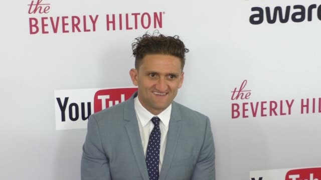 casey neistat at the 6th annual streamy awards hosted by king bach and live streamed on youtube at the beverly hilton hotel in beverly hills in... - the beverly hilton hotel stock videos & royalty-free footage