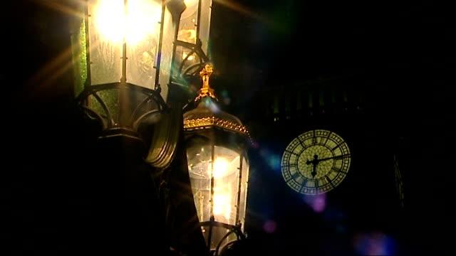 vídeos de stock, filmes e b-roll de 'cash for influence' allegations secret recordings of labour peer released london litup lamps with big ben clock tower in background close up of... - suspeita