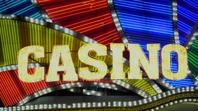 casino-hintergrundbeleuchtung - eiffelturm von las vegas stock-videos und b-roll-filmmaterial