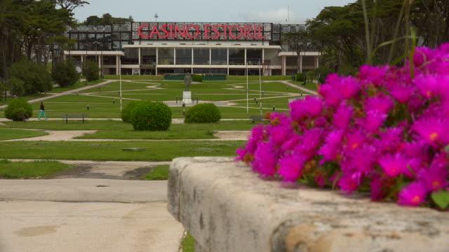 casino estoril, estoril near lisbon, portugal - エストリル点の映像素材/bロール
