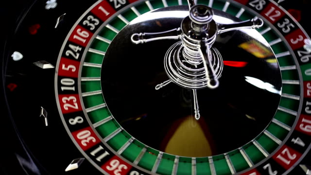 stockvideo's en b-roll-footage met casino roulette - gokken