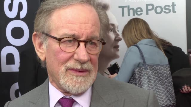 stockvideo's en b-roll-footage met cast and crew attend the premiere of steven spielberg's latest film the post which chronicles defense of the free press widely seen as a rebuke to... - first line of defense filmtitel
